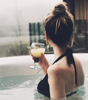 zoe sugg, spa and british
