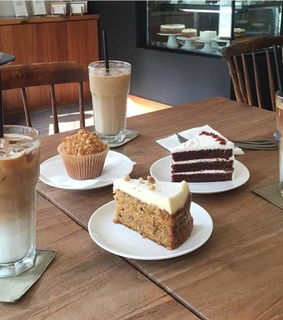 aesthic, drinks and desserts
