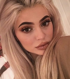kylie jenner, makeup and beautiful