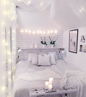 room, lights and decor