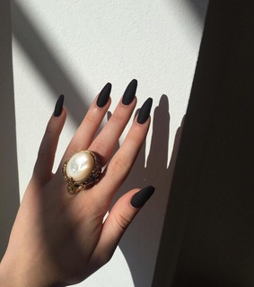 black nails, claws inspiration and inspo goal