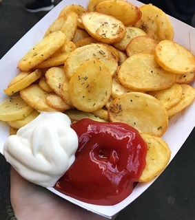 fried, mayonaise and pomes