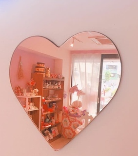 heart shaped, mirror and pink