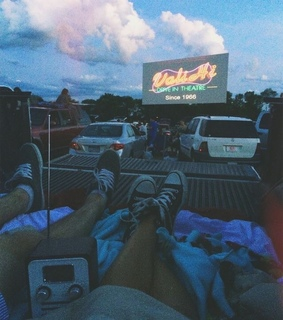 films, converses and nights