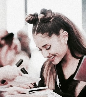 ariana grande, rp theme and space buns