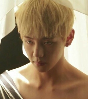taehyung collarbone, bts body and sexy bts