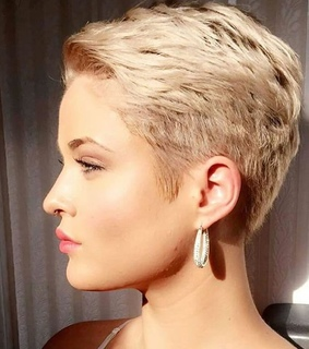 blonde, short haircut and short hairstyle