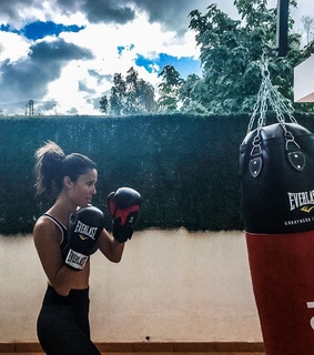 girl, everlast and boxing
