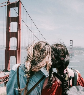 friends, brunette and travels