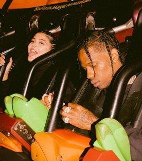 kylie jenner, travis and trylie