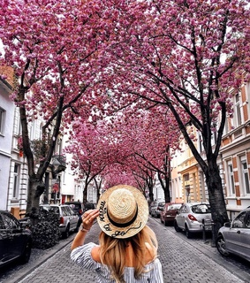 city, hat and girl