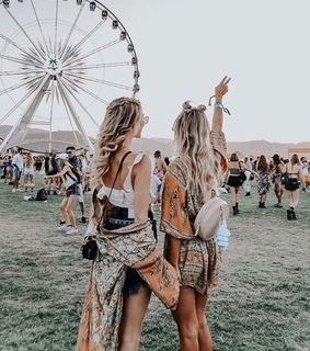 coachella, cute and friendship