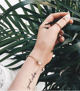 nails, plants and green