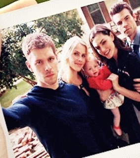 hope, klaus and hayley