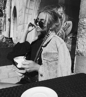 girl, black and white and tumblr