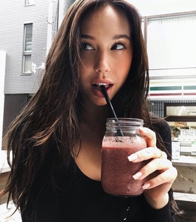 alexis ren, beautiful lady and pretty girl girls