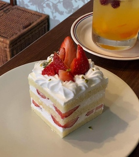 strawberry, ulzzang food and asian food