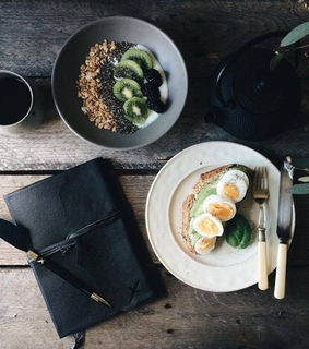 eggs, FRUiTS and healthy