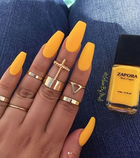 yellow nails, girl and diy
