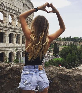 travel, body and girl