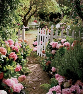 spring, shabby chic and secret garden