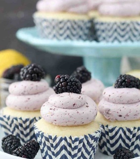 desserts, food and cupcakes