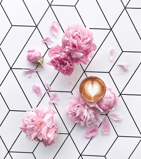 coffee, flowers and love it