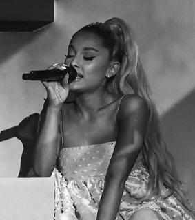 performance, black and white and sweetener