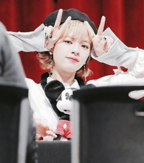 twice, jeongyeon icons and filtered pics