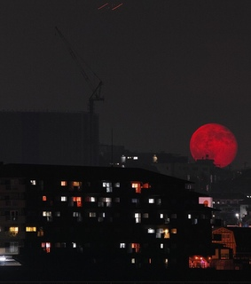 red, red moon and light aesthetic