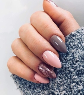 pink, fashion and nails