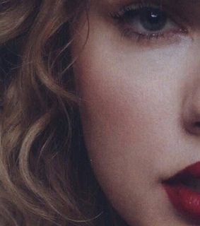 Reputation, red lips and Taylor Swift