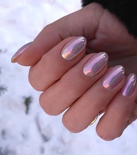 gold, mirror and nails idea