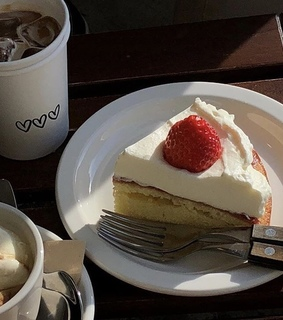 ulzzang foods, aesthetic foods and soft