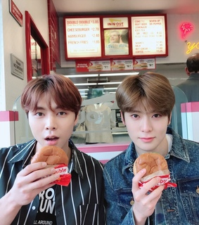 nct, burger and aesthetic