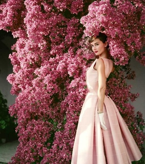love, audrey hepburn and flowers
