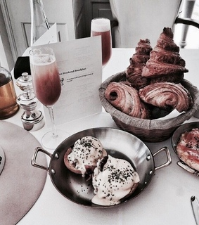 food, healty and croissants