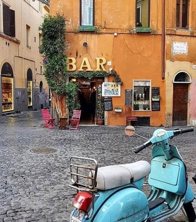 travel blog, blue vespa and travel life