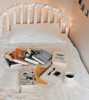 tea and books, booklr and studyblr