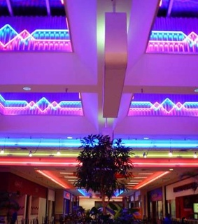 80s, lights and mall