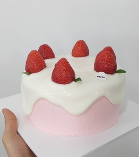 pastries, aesthetic and strawberry