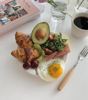 avocado, breakfast and cheese