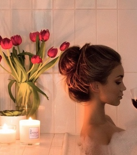 candles, bathroom and luxury