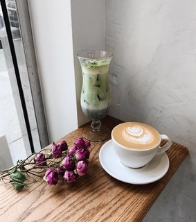 roses, flowers and latte