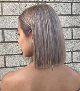 hair, short and straight