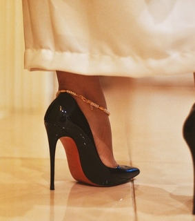 louboutin, pump and mode