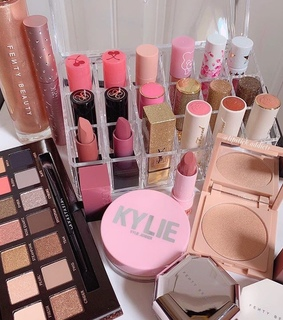 makeup collection, vanity and abh