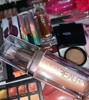 makeup collection, shimmer mist and hudabeauty