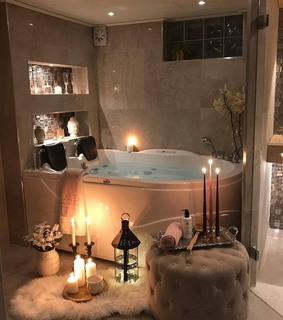 tub, jacuzzi and cozy