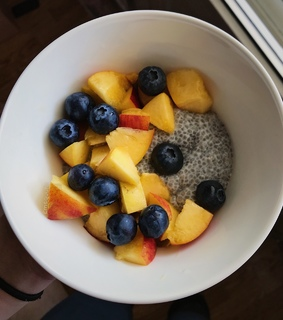 FRUiTS, blueberries and breakfast